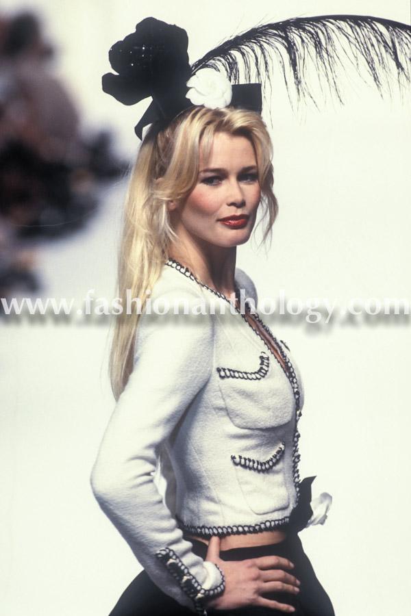 Claudia Schiffer, Chanel, 1994.