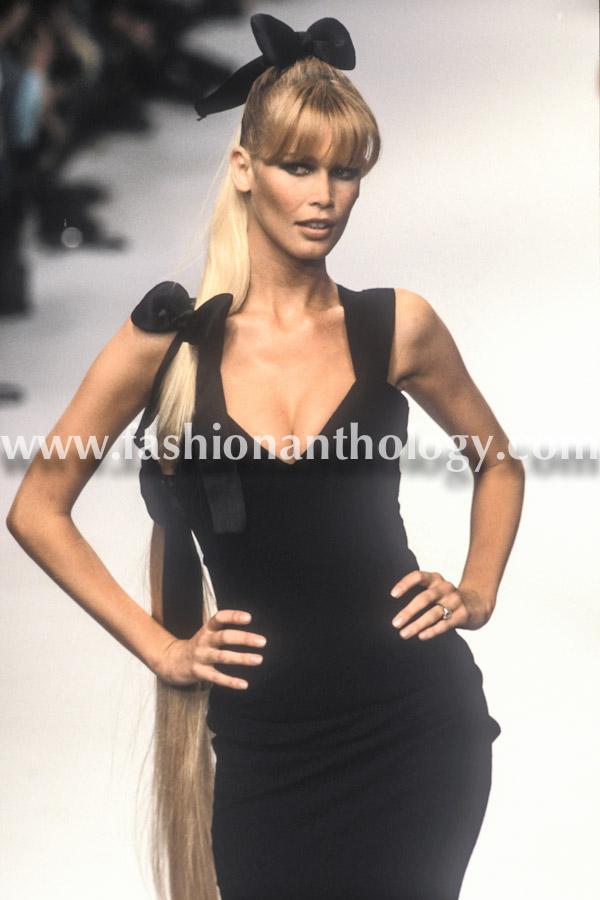 Claudia Schiffer, Chanel, 1995.