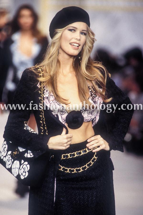 Claudia Schiffer, Chanel WS, 1993.