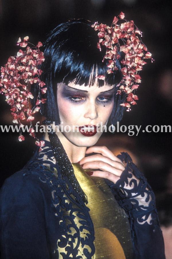 Claudia Schiffer, Christian Dior, 1997.