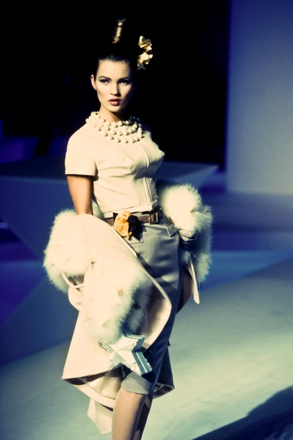 Thierry Mugler Winter 1995 / Kate Moss