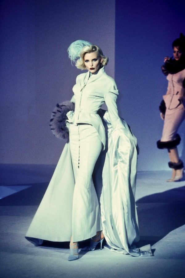 Thierry Mugler Winter 1995 / Nadja Auermann