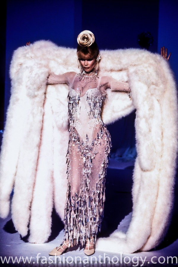 Thierry Mugler Winter 1995 / Claudia Schiffer
