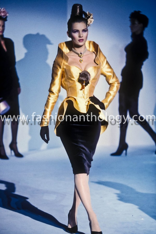 Thierry Mugler Women ready to wear 1995 winter photo by Guy Marineau